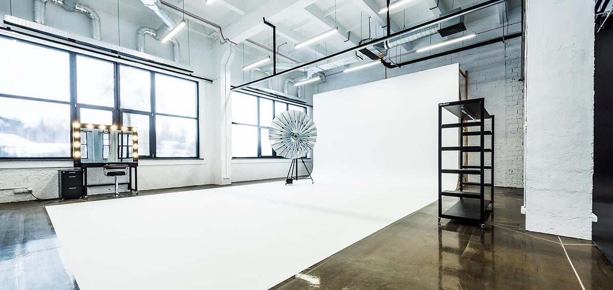 Img-interior-cyclorama-white-1