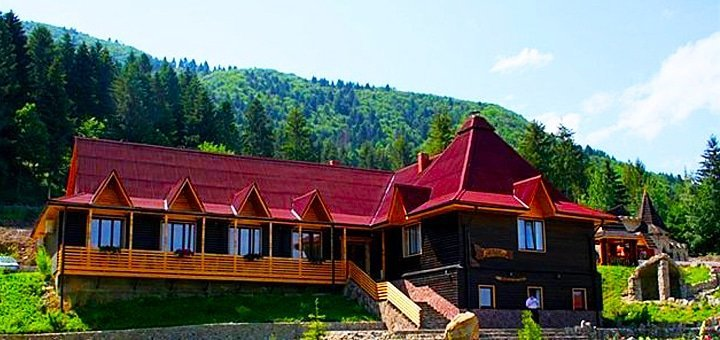 Сказочный отдых для двоих в поместье «Сокольское» в Карпатах! Питание, сауна, бассейн с джакузи, массаж и многое другое!