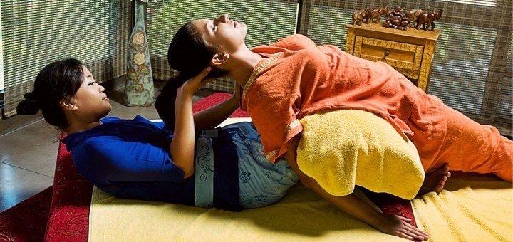 Тайская лечебная программа для спины и позвоночника с маслами в студии «Атма»