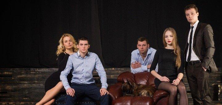 Яркая осеняя студийная фотосессия в огромной фотостудии в центре Киева «Liberty Studio»