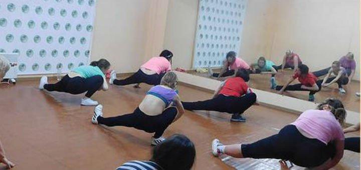 До 32 занятий стретчингом в танцевальном центре «Step UP»