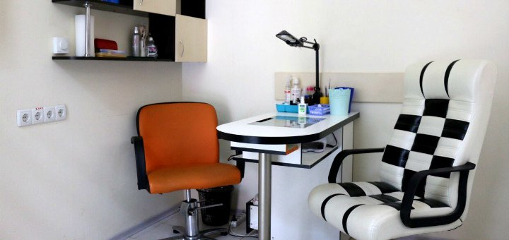 До 5 сеансов коррекции, покраски или биотатуажа бровей с покраской ресниц в Beauty Bar «Allure»