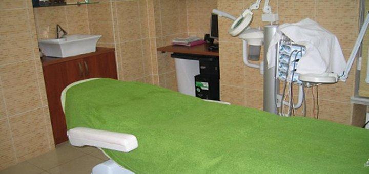 До 5 сеансов микротоковй терапии лица и шеи в салоне красоты «Амира»