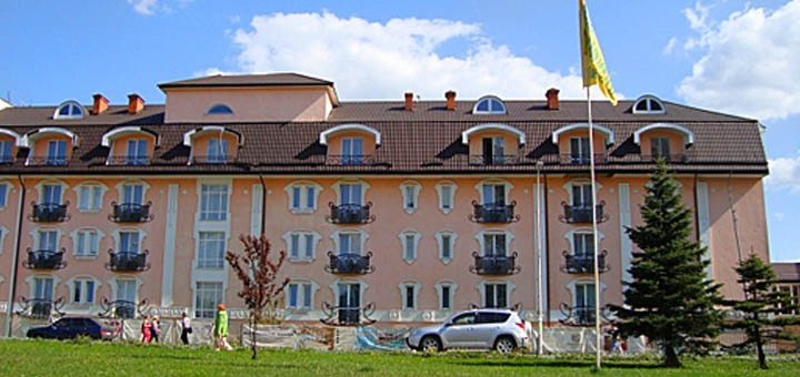 От 3 дней в отеле «Royal Medical Cezar» с пакетом «All SPA» в Трускавце