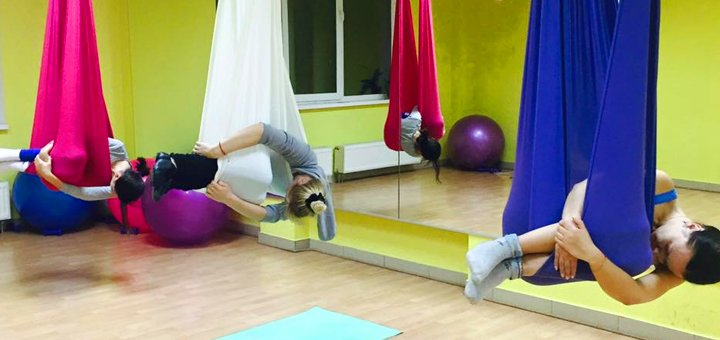 До 16 занятий по стретчингу, флай-стретчингу в школе танцев и растяжки «PaPillon»