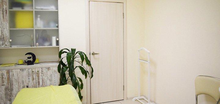 Комбинированная, механическая или УЗ-чистка лица с лечением акне в салоне «Golden Curl»