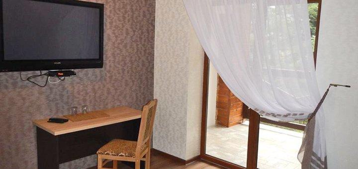 От 3 дней зимнего отдыха в отеле «Карпатська модрина» в Мигово