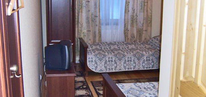 От 3 дней горнолыжного отдыха с питанием и закрытым бассейном в отеле «Натали» в Славском