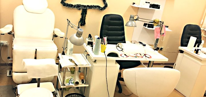 Маникюр и педикюр с покрытием шеллаком в салоне красоты «Bant»
