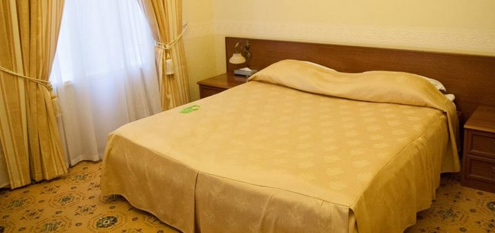 От 2 дней отдыха с романтическим ужином и бассейном в отеле «Морской 4*» в Одессе