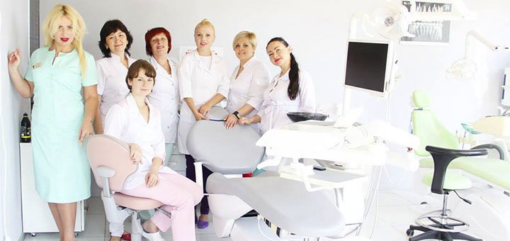 Ультразвукова та AirFlow чистка зубів з глибоким фторуванням від стоматології медичного центру «Платинум»