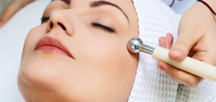До 5 сеансов микротоковой терапии лица и шеи в студии красоты «AntiSalon»