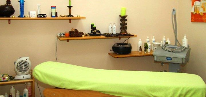 До 10 сеансов массажа голливудские ножки и водорослевое обертывание в «Городская Нимфа»
