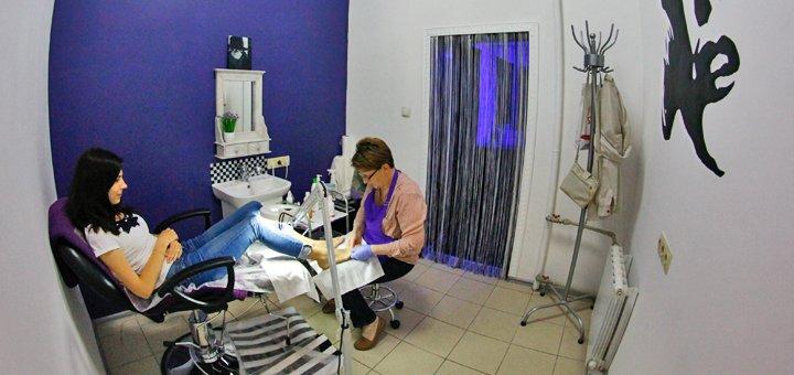Женский, мужской spa-педикюр и полировка или покрытие гель-лаком в студии «Merlin»