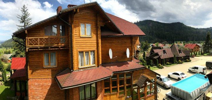 От 3 дней весеннего отдыха с питанием в отеле «Смерекова Хата» в Славском