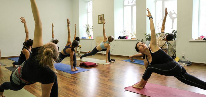 До 3 месяцев занятий йогой, пилатесом и йогатерапией в студии йоги «Self Center»