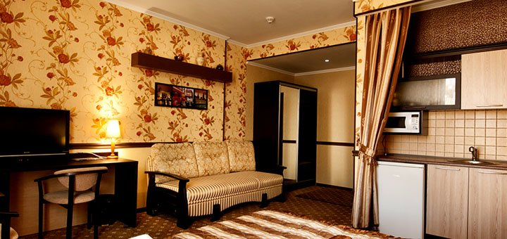 От 2 дней отдыха с двухразовым питанием в отеле «Терра 7+» в Одессе