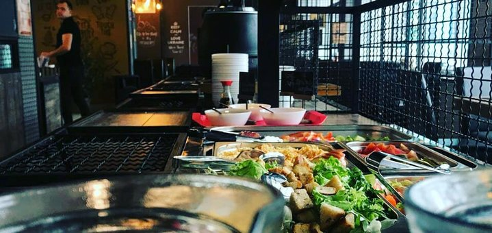 Знижка 40% на меню кухні в стейк-хаусі «Скотина»
