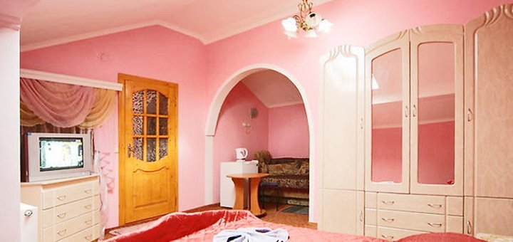 4 дня отдыха для двоихна8 марта и Пасху в гостином доме «Украиночка» в Верховине