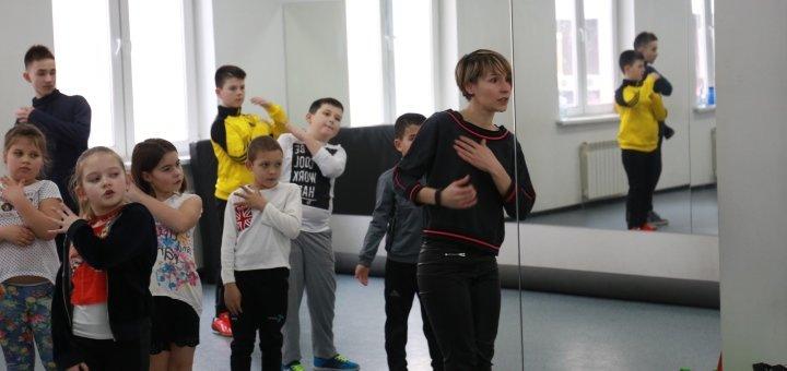 8 занятий Hip-Hop и Jazz-Funk в школе танцев «В такт»