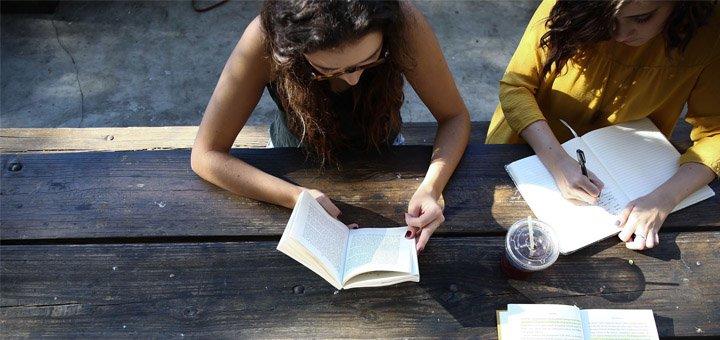 Онлайн-курс сторителлинга по написанию коротких текстов «Спринт в шортах»