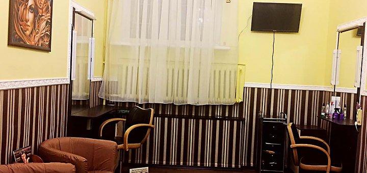 Комбинированный маникюр и педикюр в салоне красоты «Ваш стиль»