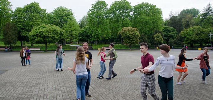 До 8 занятий буги-вуги (клубным рок-н-роллом) в школе танцев «ЭЛВИС»