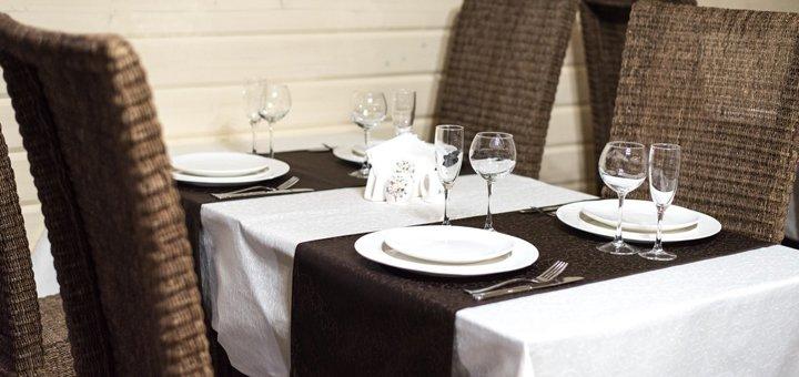 От 3 дней отдыха с питанием и сауной в отеле «Рандеву» в Славском