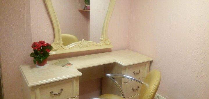 Классический гигиенический маникюр или педикюр с покрытием в салоне красоты «Стиль»