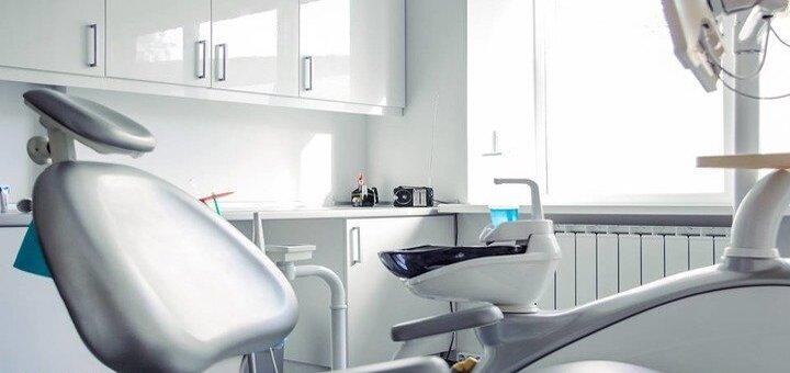 Установка фотополимерной пломбы и лечение кариеса в стоматологической клинике «StarDent»