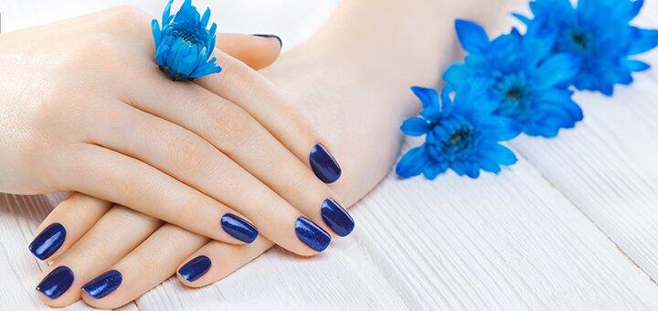 Маникюр с покрытием и дизайном в студии ногтевого сервиса «Soledad Beauty»