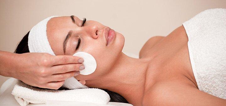 До 3 сеансов карбокситерапии лица, шеи и зоны декольте в центре «Face&Body»