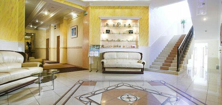 От 2 дней отдыха с завтраками и посещением бассейна в отеле «Морской 4*» в Одессе