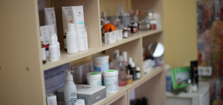 До 3 сеансов фракционной мезотерапии (микронидлинг) в косметологическом кабинете «Красотка»