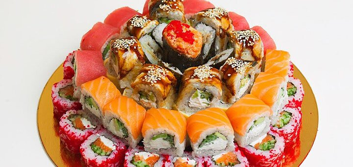 Скидка 50% на все суши, роллы и сеты на вынос в суши-баре «Sushi Holl»