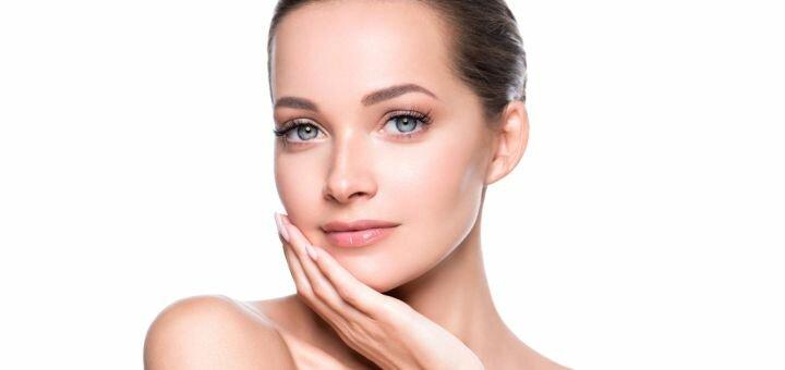 Комбинированная чистка лица, массаж лица или АНА-пилинг в студии красоты «Beauty Film Studio»