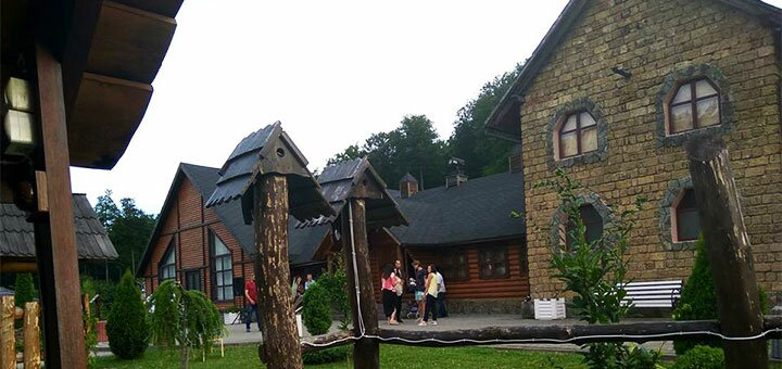 От 3 дней в комплексе отдыха «Орлиное гнездо» в рекреационной зоне в Черновцах