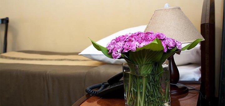От 2 дней отдыха осенью и зимой с завтраками в отеле «Відень» в самом центре Львова