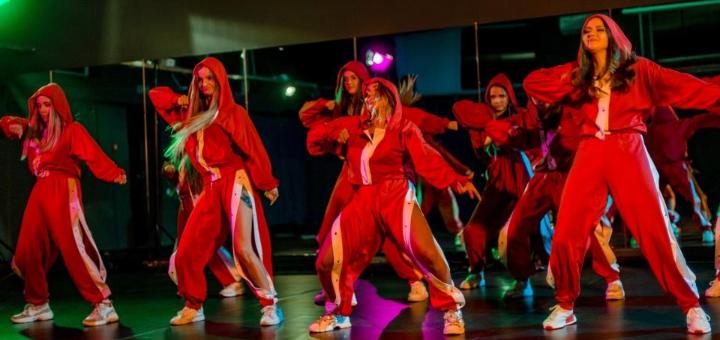 До 24 занятий танцами по любым направлениям в школе «Hi Dance Studio»