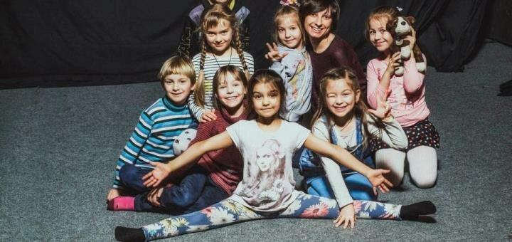 До 48 групповых занятий актёрским мастерством, сценической речью и пластикой в школе «Маска»