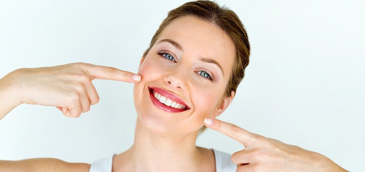 Профессиональная ультразвуковая чистка зубов и Air-Flow с пакетом «Royal-гигиена» в «СА-НАТА»