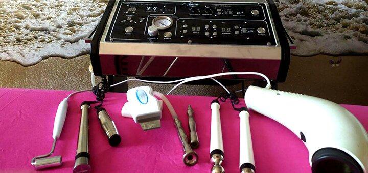До 3 сеансов микротоковой терапии лица и шеи в студии косметологии «Tomatonika»
