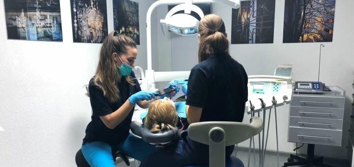 Скидка до 50% на установку имплантов «H-Dent» в стоматологической клинике «Melius Ortho»