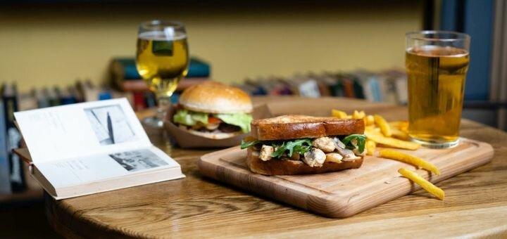 Скидка 50% на все меню кухни в кафе «Кафедра»