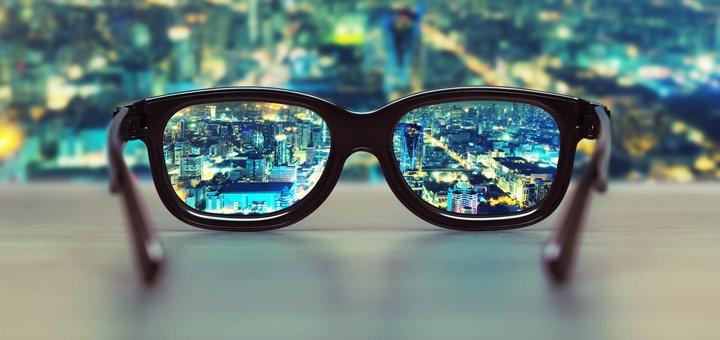 Диагностика зрения и подбор ночных контактных линз для детей и взрослых в офтальмологическом центре «Взгляд»!